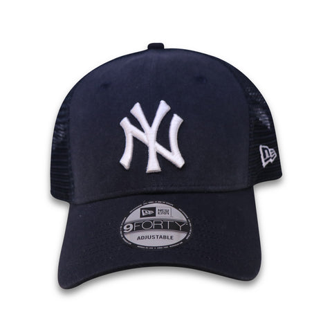 NEW YORK YANKEES CORE TRUCKER 940 NEW ERA SNAPBACK