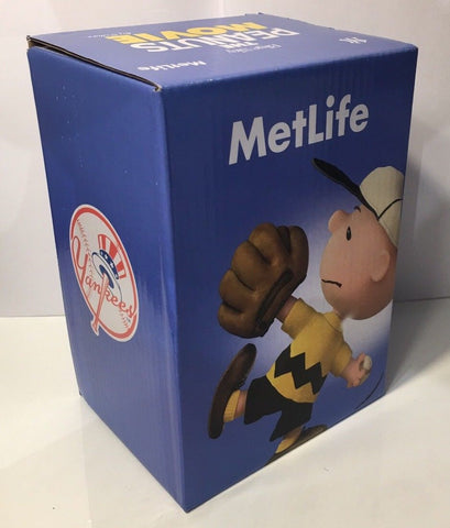 Schroeder Peanuts (4th in Series) Yankees 2015 SGA Bobblehead - 9/9/15 Yankee Stadium