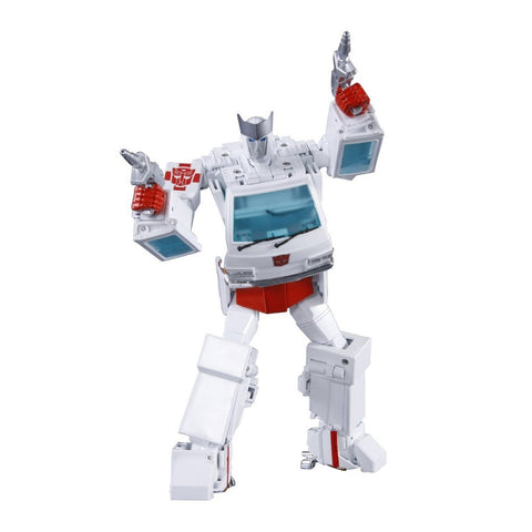 Ratchet MP-30 Transformers Masterpiece Action Figure