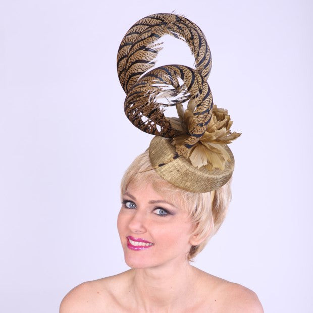 fascinator antique gold w/feathers