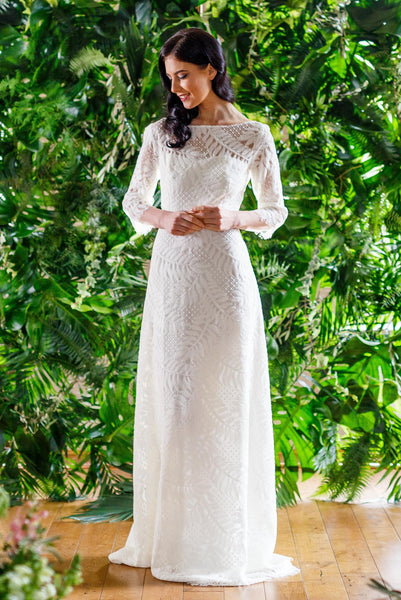 Beautifully unique, full vintage lace wedding dress - Gallery