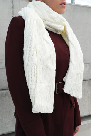 WINTER WARMTH SCARF IN OFF WHITE - Style on Point