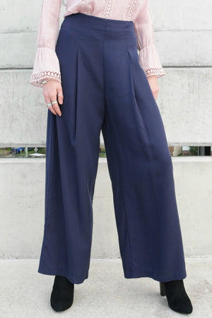 MIDNIGHT PANTS IN NAVY - Style on Point