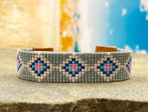 Woven Bracelet - Diamonds -  flower