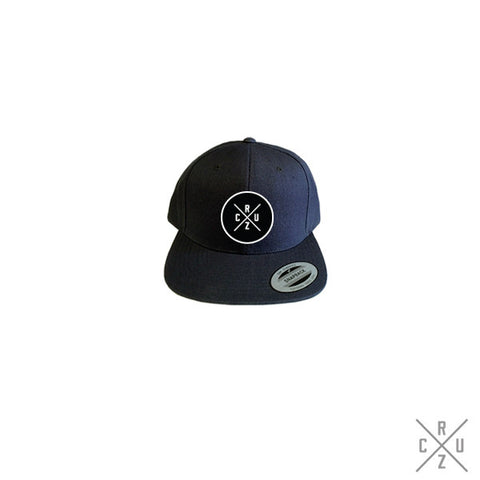 Cruz Circle Cross Snapback - Black/White