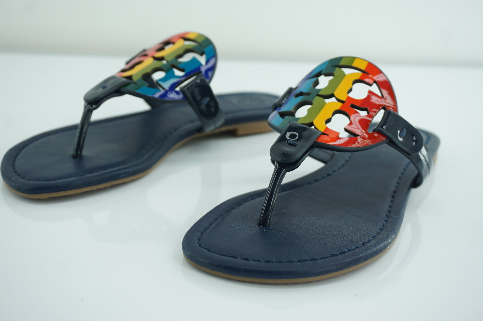Tory Burch Miller Navy Leather Rainbow Logo Thong Sandal Size 4 Slide