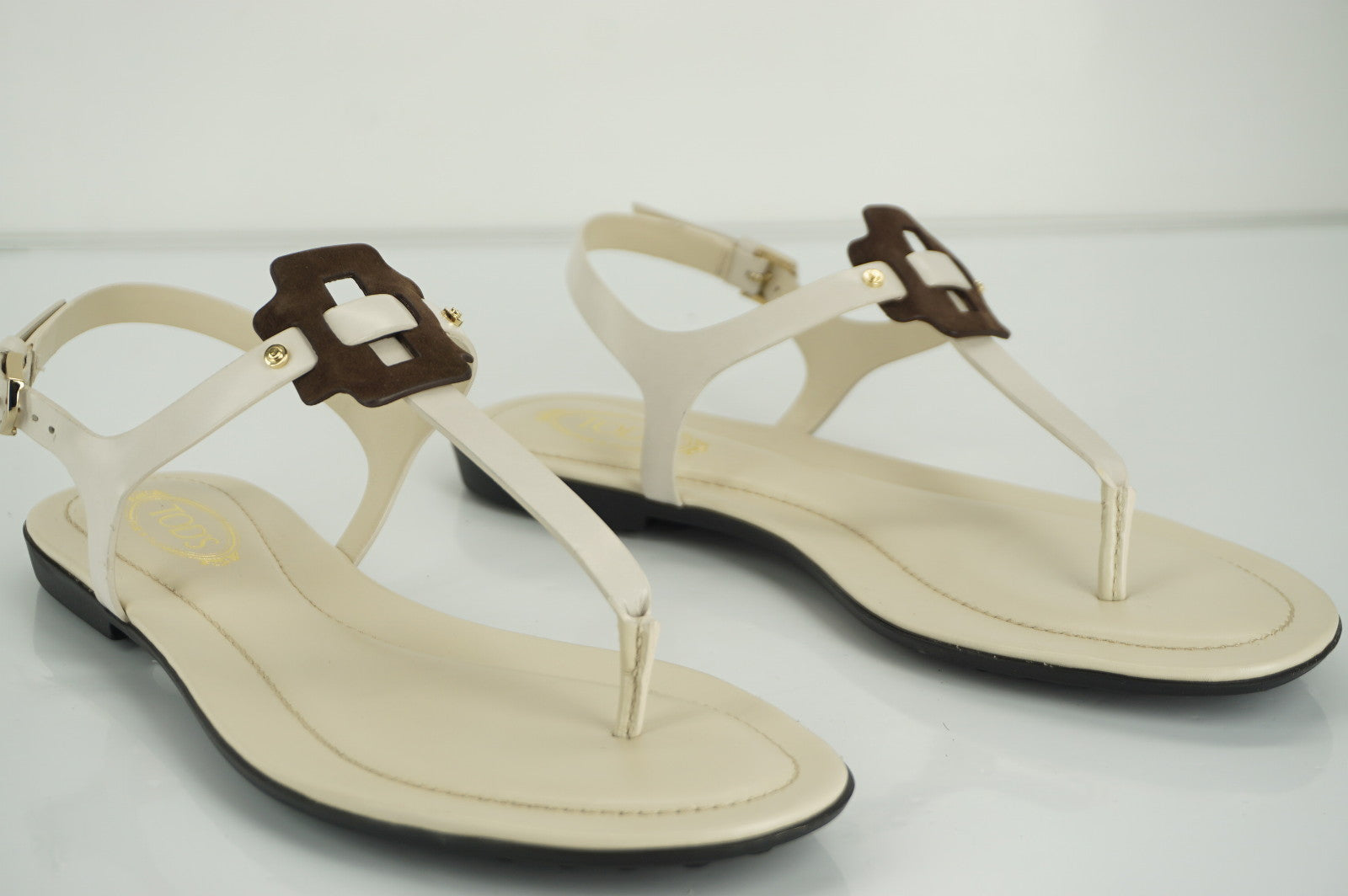 Tods Gomma T Strap Leather Thong Sandals size 36 Ankle Strap NIB $465