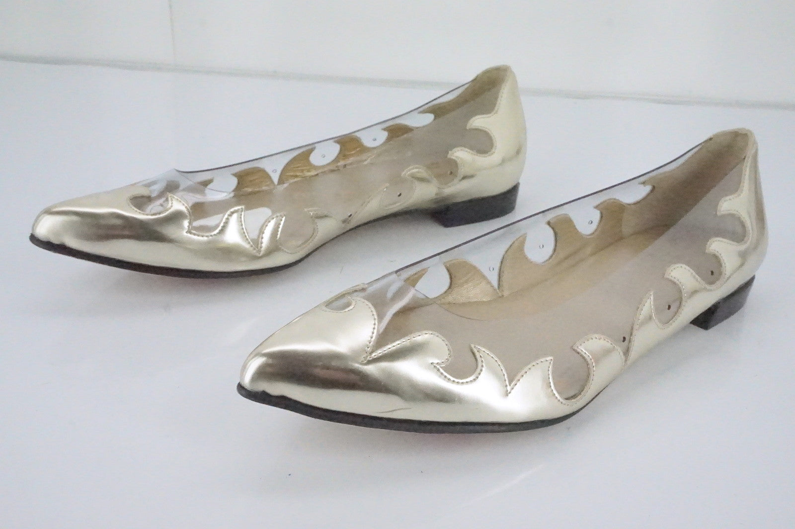 Stuart Weitzman Gold Leather 'Scrolly' Clear Flames Pointy Flats SZ 5.5 New $375