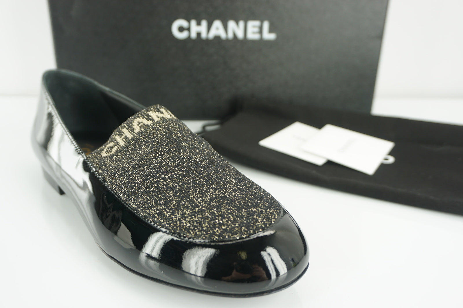 Chanel Black Patent Gold Glitter Lame logo Slipper Size 38 Flats $750 NIB 17B