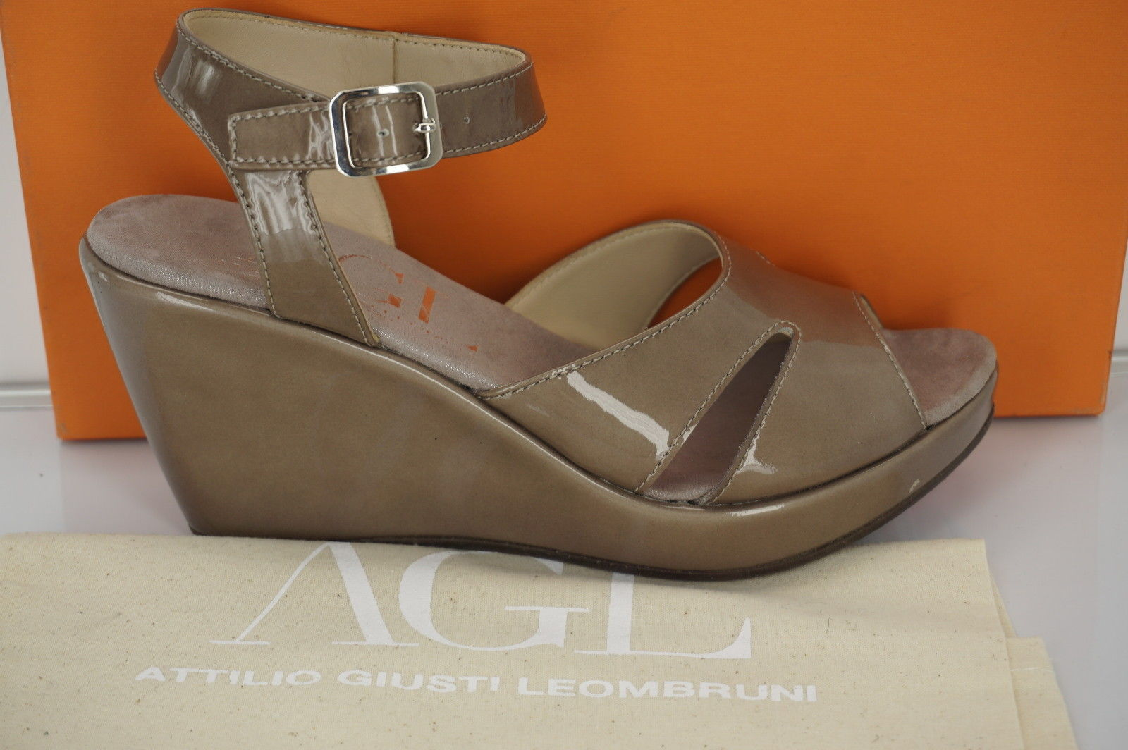 Attilio Giusti Leombruni Womens Wedge Wedge Sandal Beige Leather Size 39
