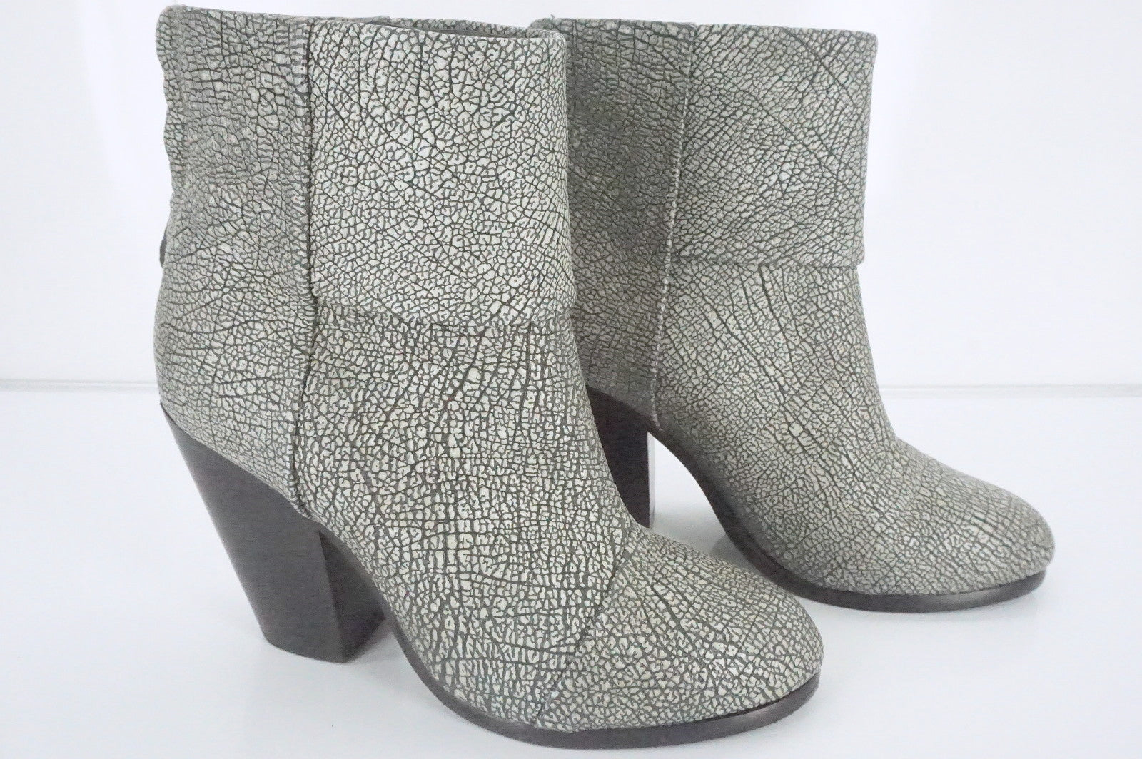 Rag & Bone Grey Textured Leather Newbury Ankle Boots Size 35 NIB Cap Toe $495