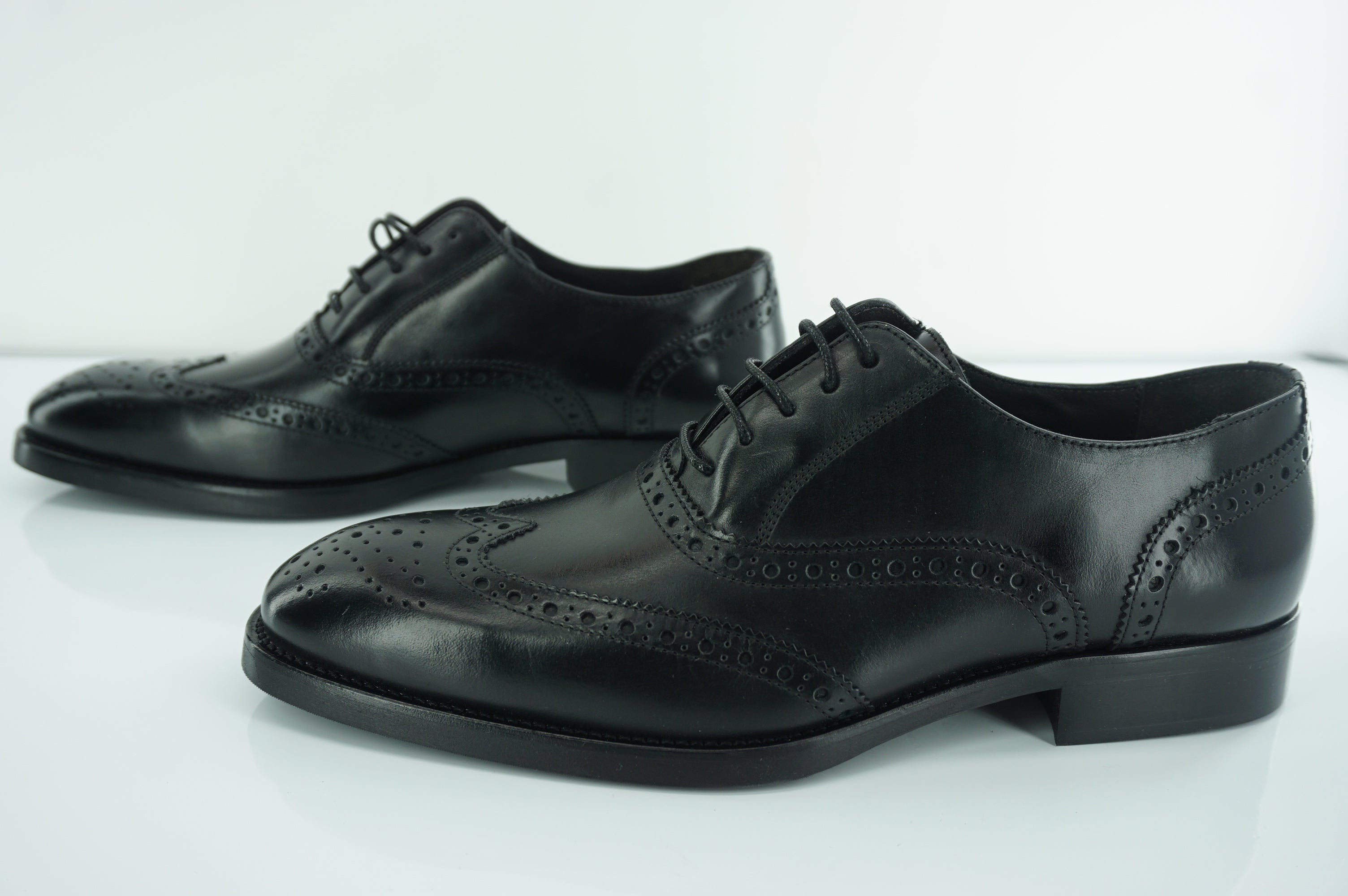 To Boot New York Black Leather Bello Wingtip Brogue Oxfords size 9.5 NIB $425