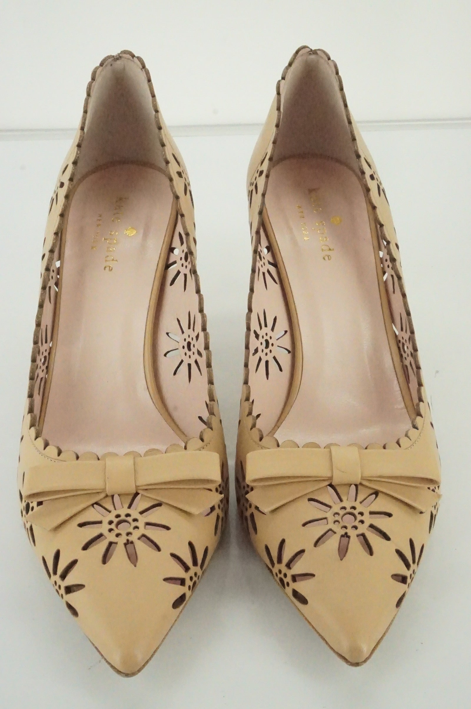 Size 8 kate spade janina pointy toe laser Cut Out Pumps New Bow Scallop $328
