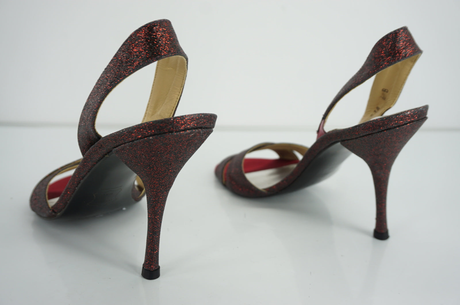 Stuart Weitzman Delovely Red Shimmer Slingback Strappy Sandals SZ 6 New Open Toe