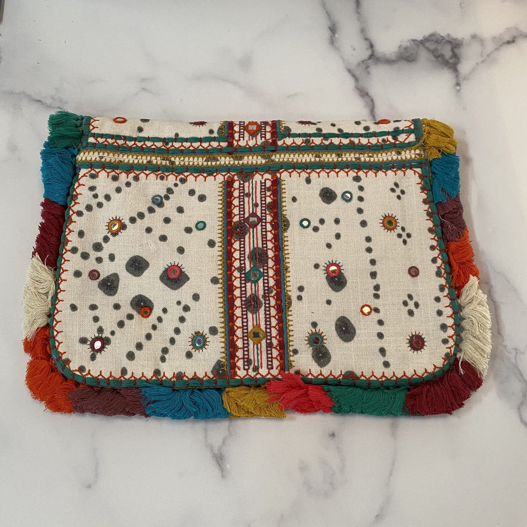 Nani Embroidered Clutch