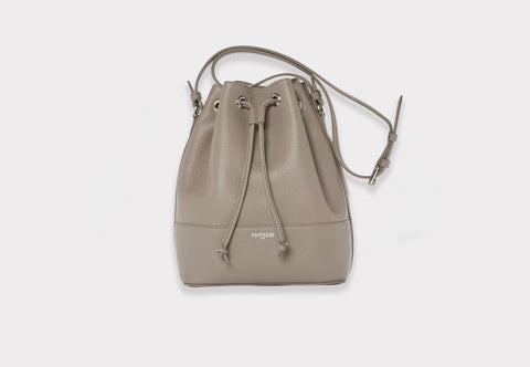 Fonfrege Eugénie bucket bag in Taupe Sahara. Made in Italy. Available at Fonfrege.com
