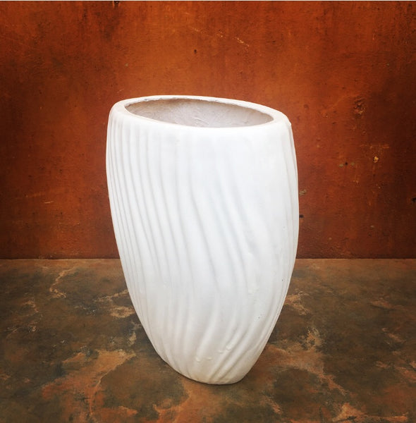 Oval wave planter
