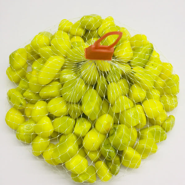 Yellow 12 mm pebbles
