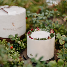 Decorated Soy Wax Candle ROSE AND MOSS