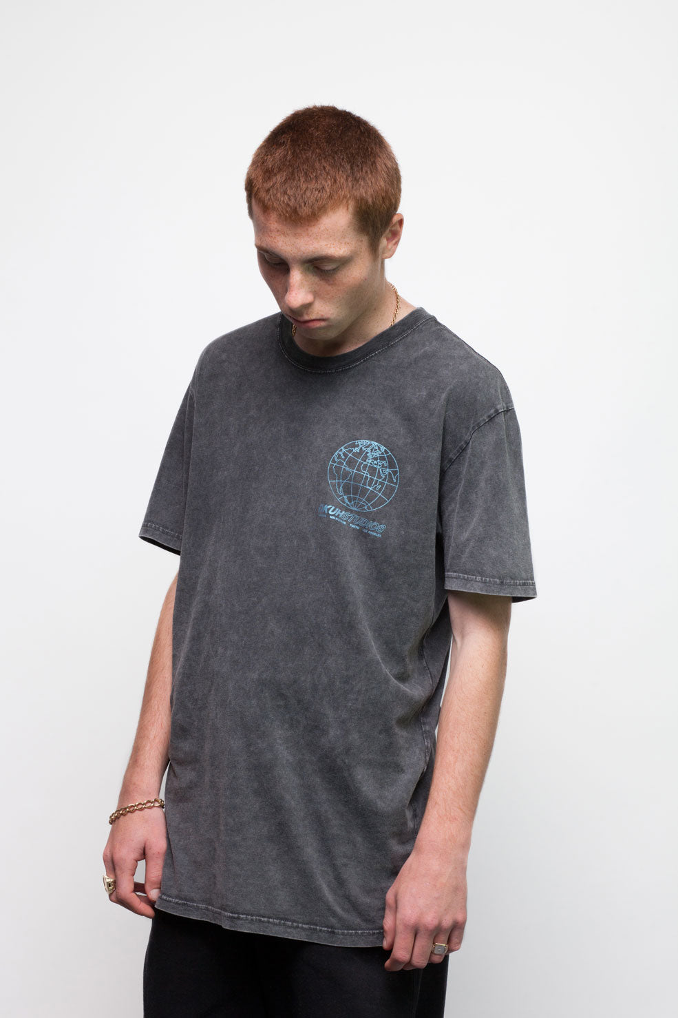 Black Acid Wash Globe T-Shirt - okuhstudios