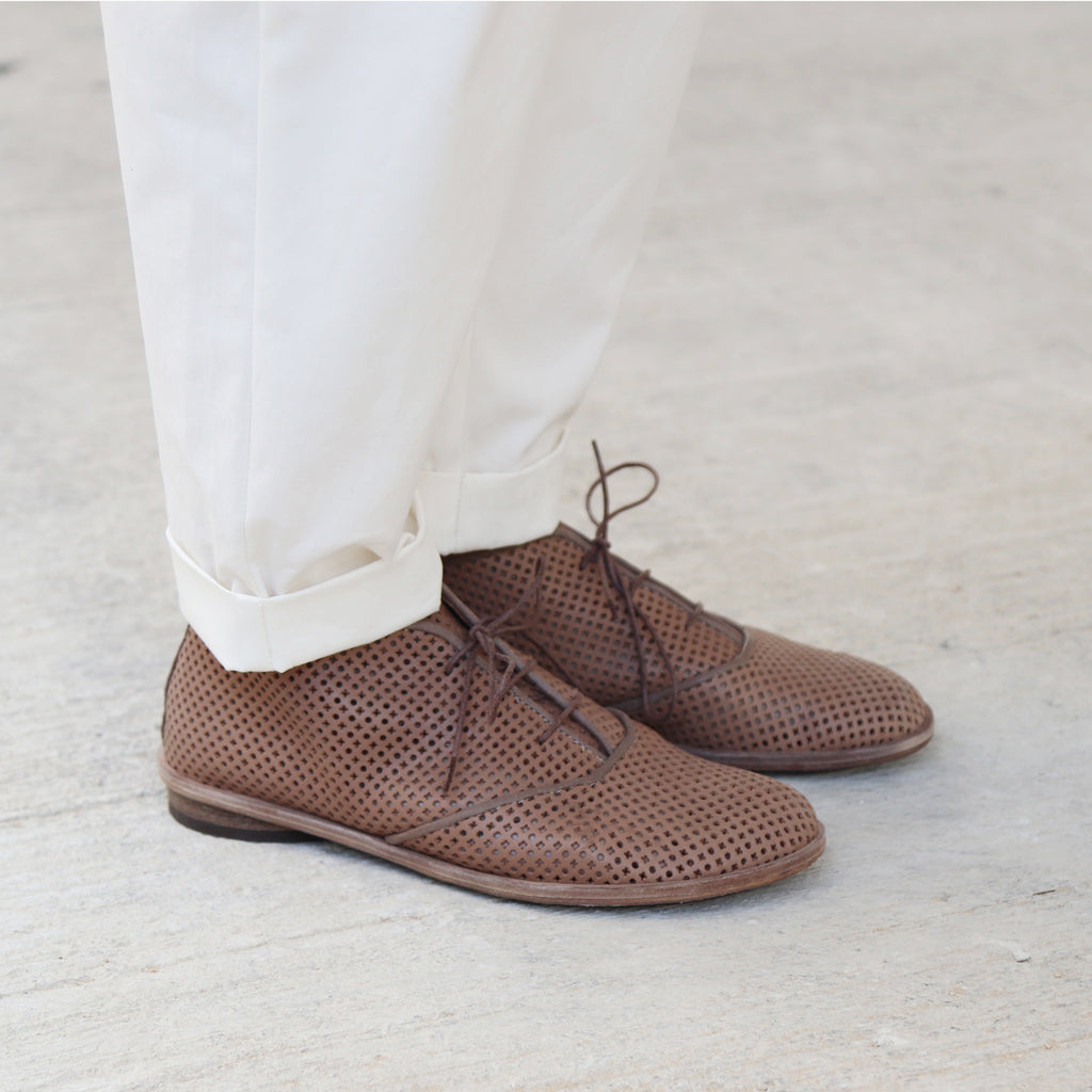 Taupe perforated oxford shoes. 1021p