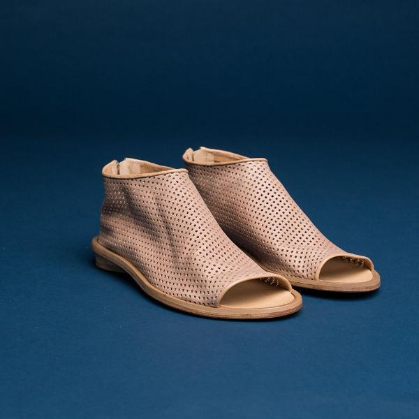 Perforated High top pip toe shoes , Beige. 2051