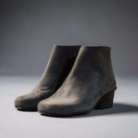 Gray classical bootie. 504