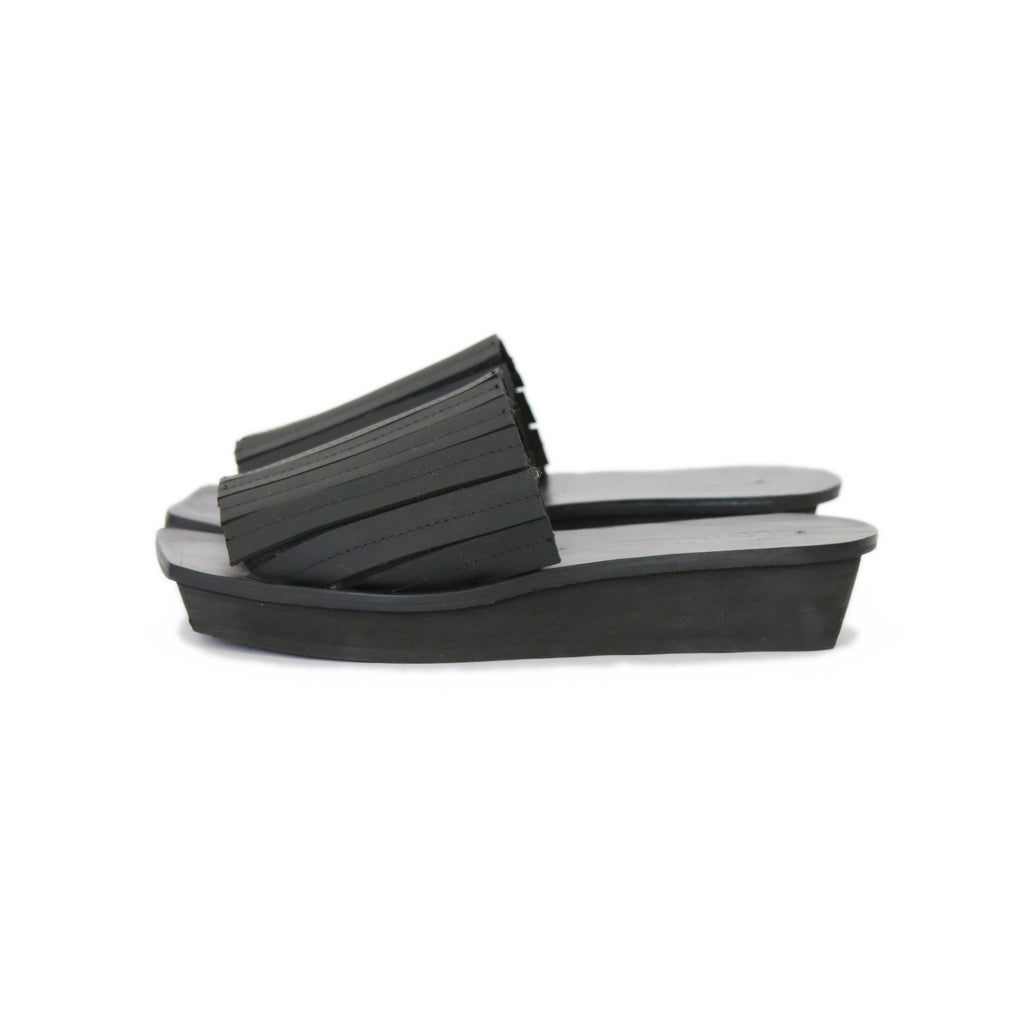 Strappy Japanese Mules. Black 40.