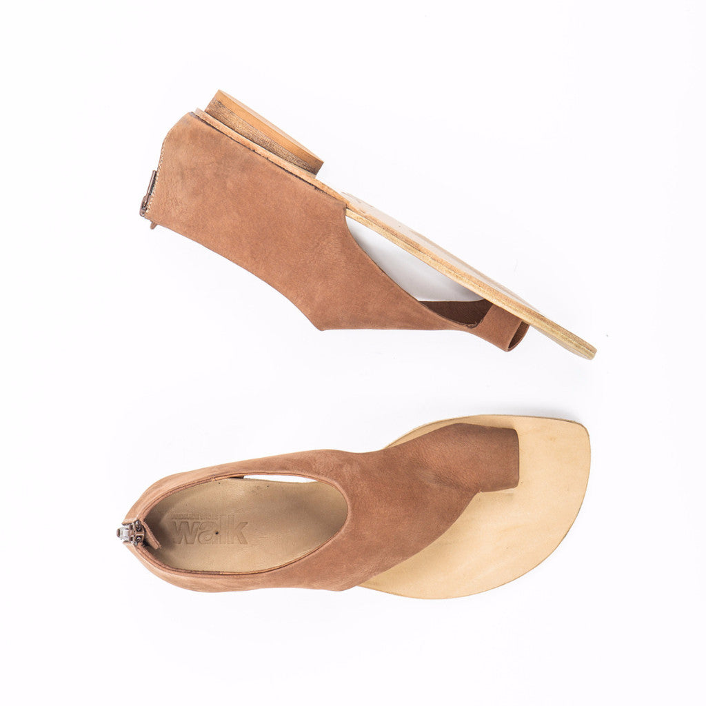 Thong sandals in Camel. 2017