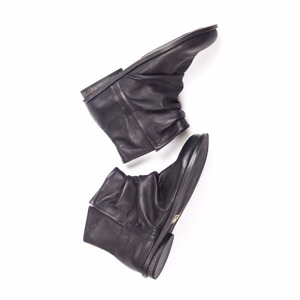 Slouch leather boots, Black. 950