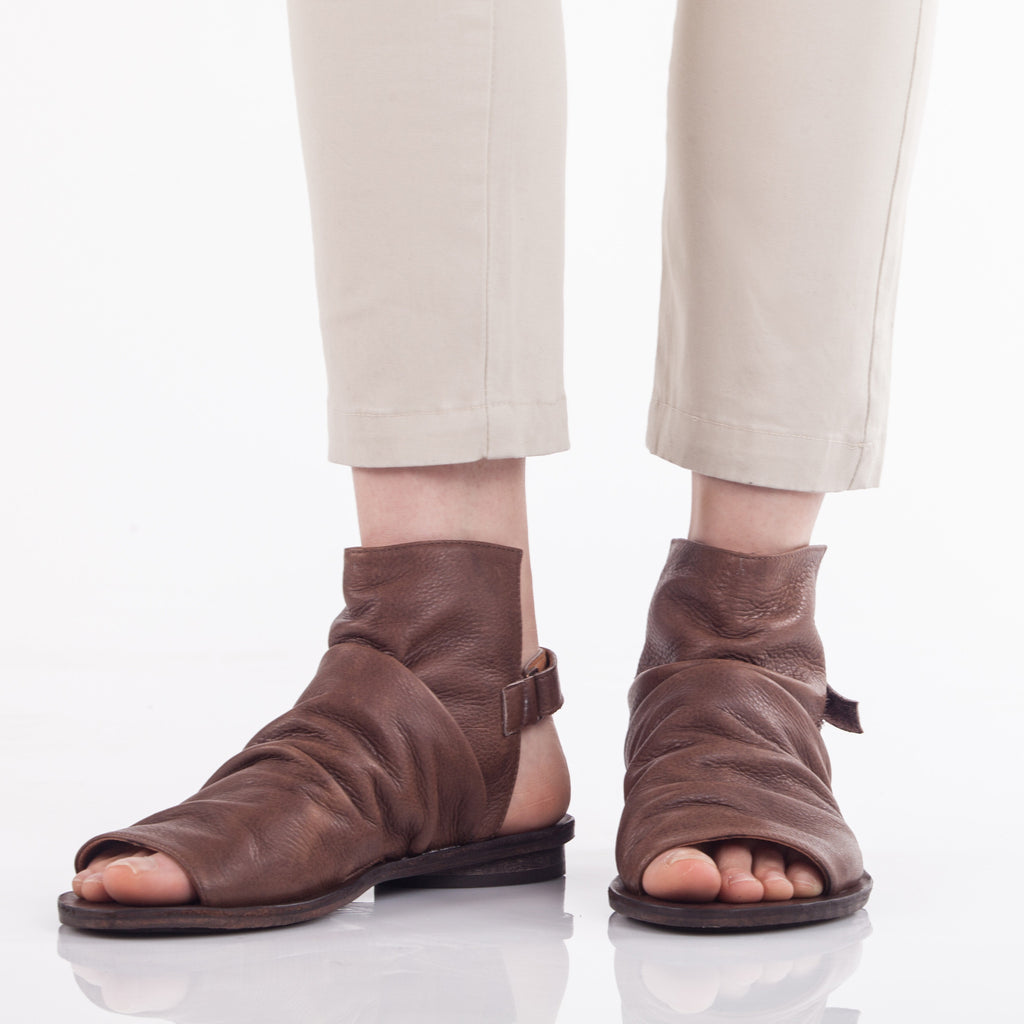 Pleated boot sandals Brown. 95