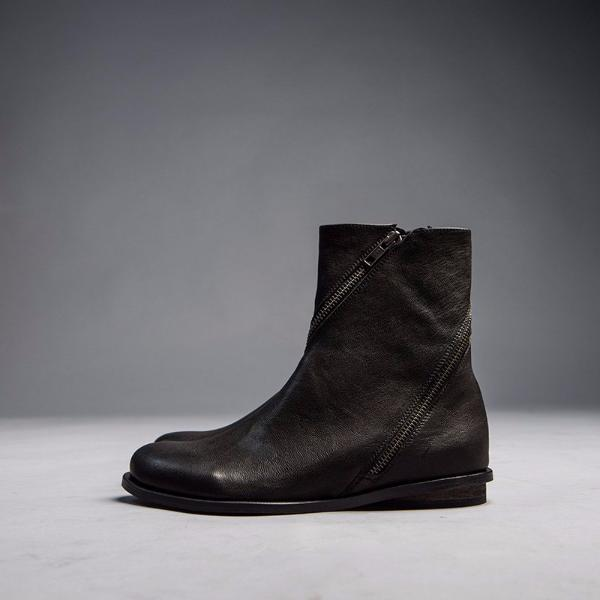 Zipped womens boots