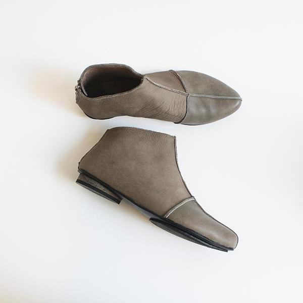 Gray leather cross boots. 4601