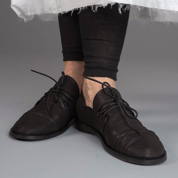 Lace up  flats in Black. 962