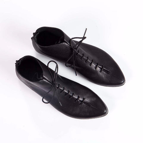 Black Laced pointed shoes