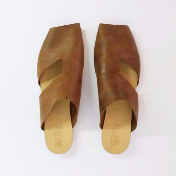 Square toe slides in Camel. 51