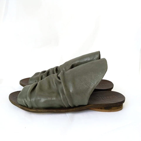 Pleated mules, Green. 467