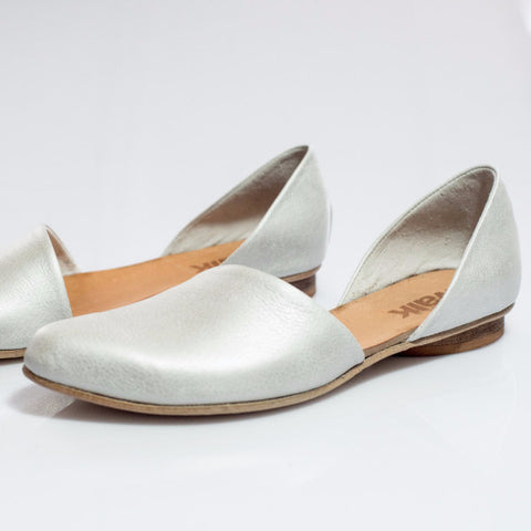 Open flat shoes, Silver. 455