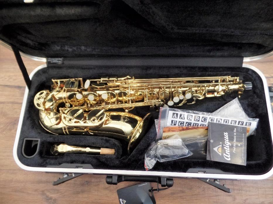 Antigua Winds AS3220 Series Eb Alto Saxophone Lacquer Finish & Case #8