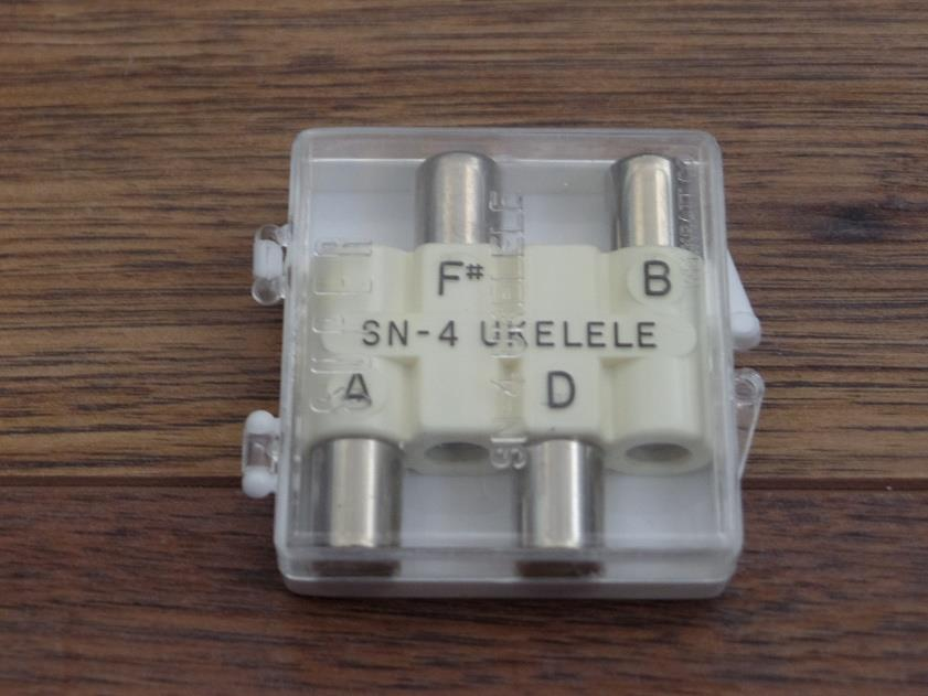Kratt SN4 Super Pitch Pipe in A D F# B for Ukulele