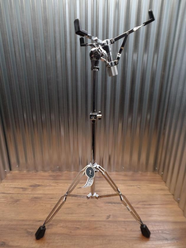 DW 3000 Series DWCP3302 Concert Snare Stand with Cymbal Stand Bass *