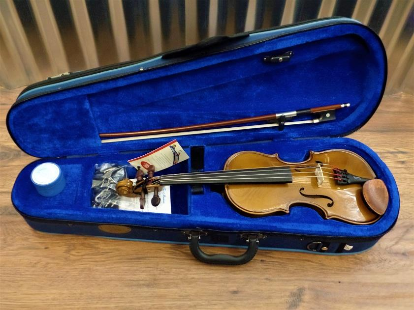 Stentor Student 1 Series 1/8 Violin Brown with Bow & Case #1015 *