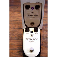 Danelectro Billionaire BT-1 Filthy Rich Tremolo Guitar Effect Pedal