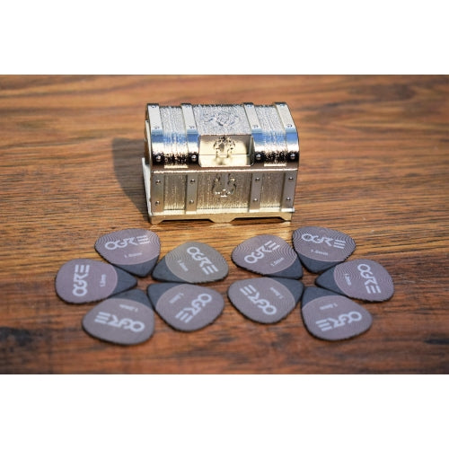 Ogre Guitar Metal Treasure Chest Guitar & Bass Pick Case Holder & 10 Picks Silver