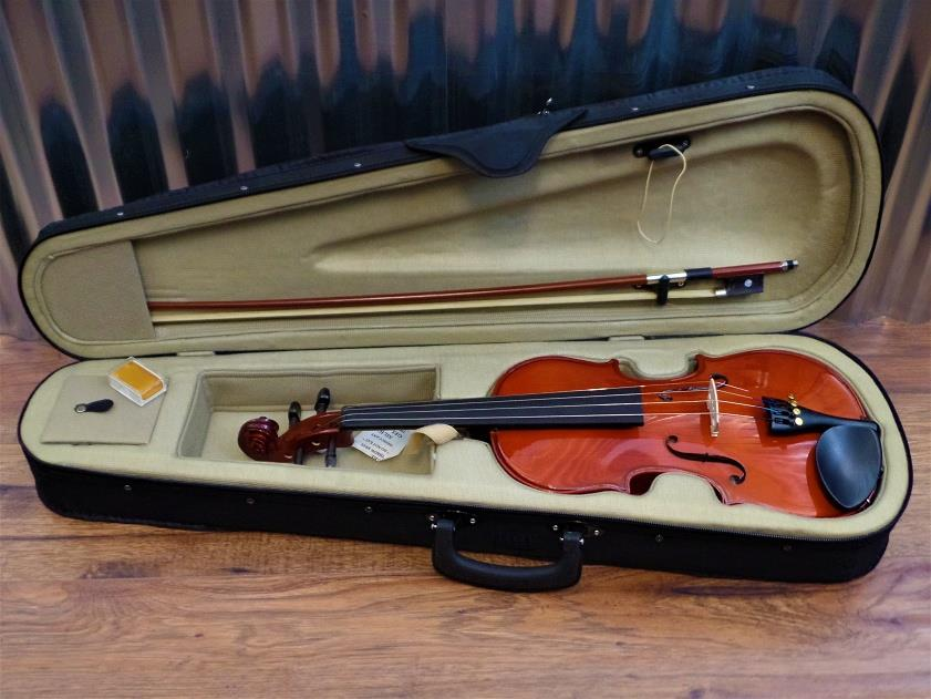 Academy 145AU 3/4 Violin in Natural Brown with Bow & Case #2006 *