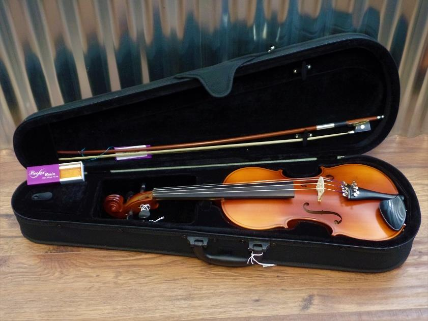 Becker 175 Prelude 4/4 Violin in Brown with Bow & Case #1004*