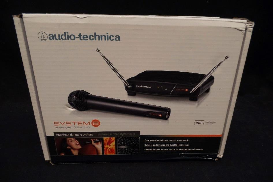 Audio Technica ATW-802 T8 Wireless Hand Held Microphone System #7006 *