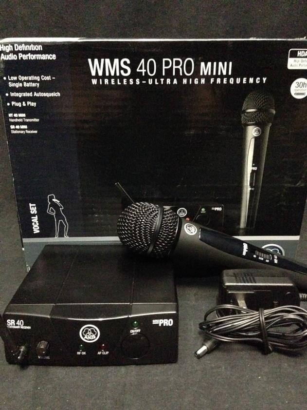AKG Pro Audio WMS40 Mini Vocal Set BD US45C Wireless Microphone System *