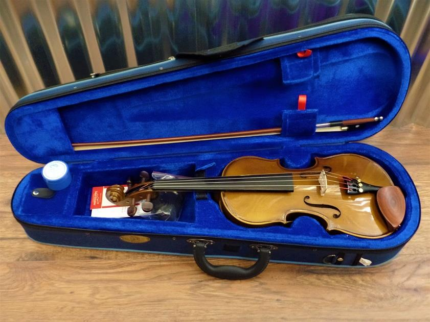 Stentor Student 1 Series 1/2 Violin Brown with Bow & Case #2004 *