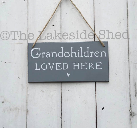 Grandchildren loved here Sign • Grandchildren Sign • Grandchildren Plaque • Grandparents Gift • Grandmother Gift •Grandad Gift •Gift for Mum